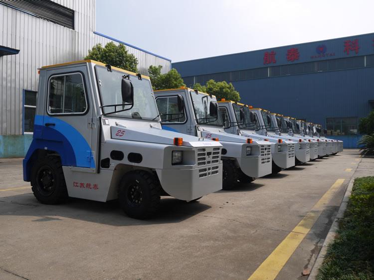 2015年8月江苏航泰在上海机场的行李牵引车投标9